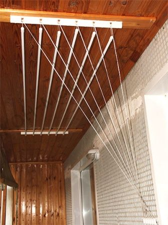 Сушилка для белья очень удобна в эксплуатации, предназначена для крепления в ванную комнату либо на балконе .